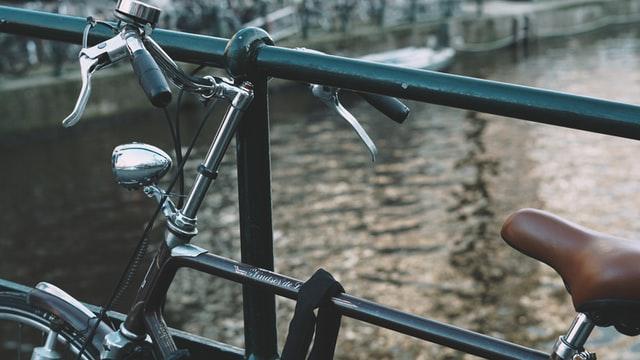 Fahrrad fahren in Emden am Delft