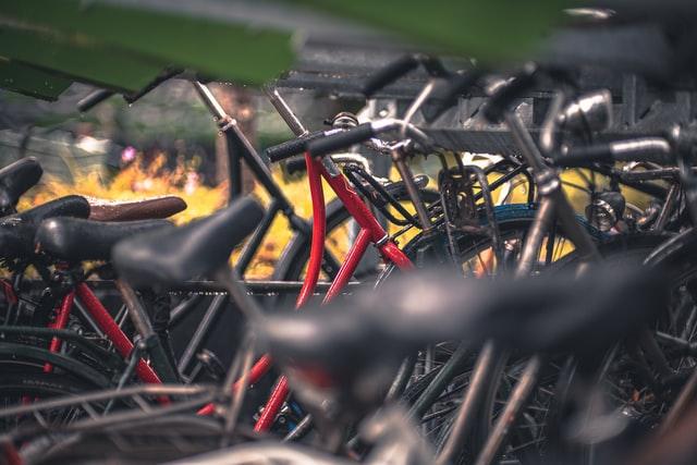 Fahrräder in Greetsiel am Hafen